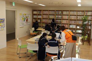 土佐女子中学校の2年生が見学に来てくれました!